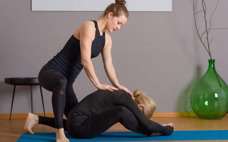 Lénok Yoga - Baddha Konasana Assist